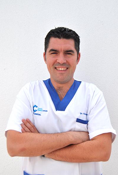 Dr. Rafael Flores en Clínica Dental Cecilia Jiménez Bormujos Sevilla